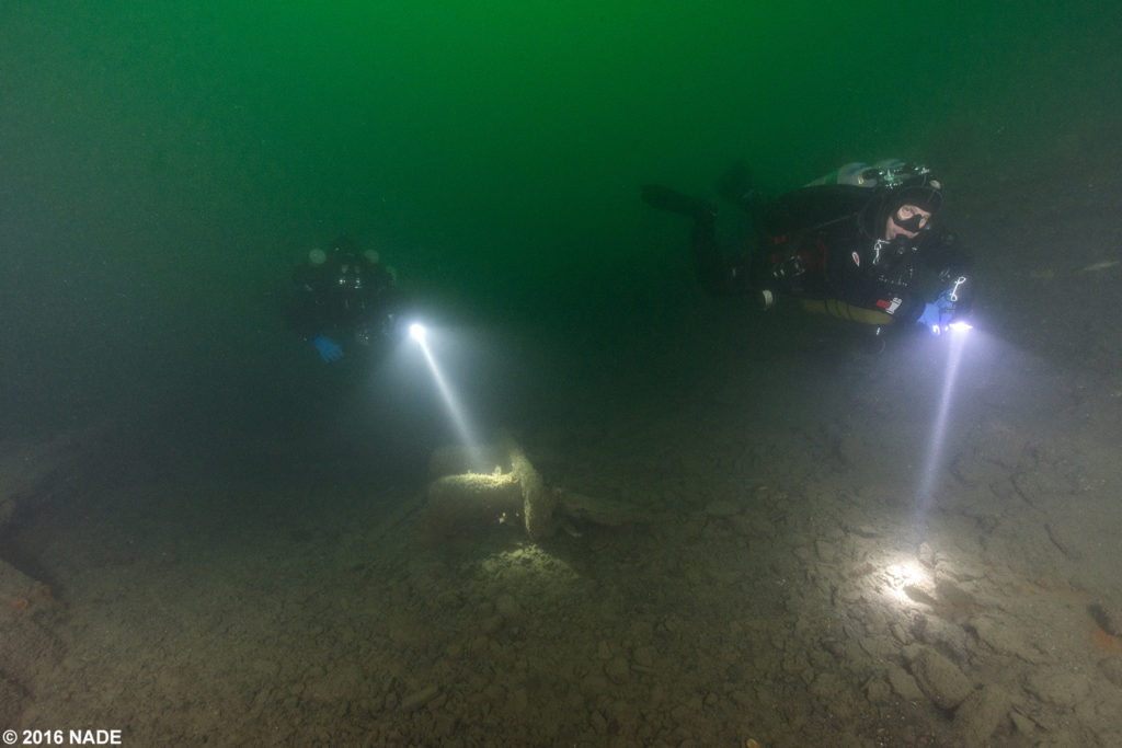 Scott and Gary explore the wreck of the Holmes in great conditions.